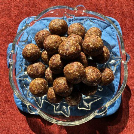 Sushil's Cranberry Ladoos (Dried fruit Bonbons)